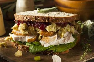 Sandwich à la dinde du dîner de Thanksgiving
