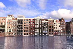 Maisons dans le quartier de Damrak, Amsterdam, Pays-Bas photo