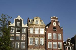 Amsterdam, Pays-Bas - pignon de vieilles maisons