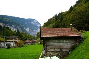 maisons des alpes suisses photo