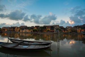 hoi an au crépuscule, vietnam photo