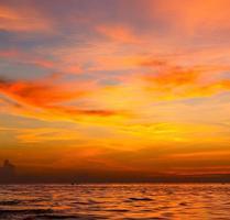 lever du soleil mer thaïlande kho tao bay mer de Chine du sud photo