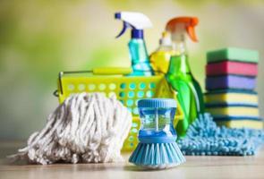 produits de nettoyage, thème coloré de travail à domicile photo
