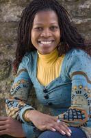 portrait de femme souriante photo
