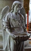 marbale angel eau bénite photo