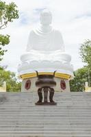 Bouddha, monument sur nha trang, vietnam