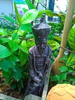 vieille poupée de porcelaine antique