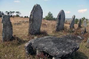 mégalithes au bosquet sacré de mawphlang photo