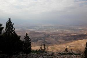 Mount Nebo regardant dans la terre promise
