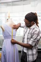 créateur de mode masculin et mannequin