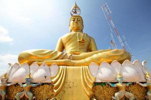 Temple de la grotte du tigre wat tham sua krabi thaïlande