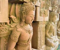 sculptures sur pierre religieuses asie photo