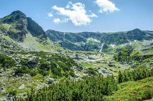 la beauté de la nature dans les montagnes de Rila et les sept lacs de Rila