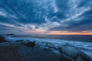 coucher de soleil dans la baie d'alanya photo