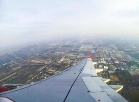 vue d'avion depuis la fenêtre