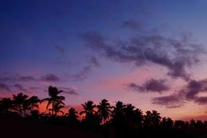 coucher du soleil, plage el portillo, samana, république dominicaine photo