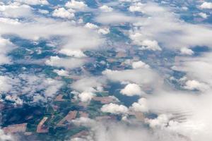 vue aérienne de différentes formations nuageuses