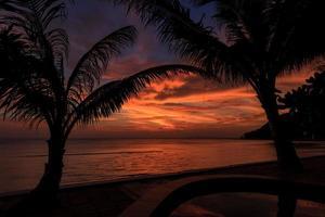 Coucher de soleil spectaculaire en Thaïlande, Samui photo