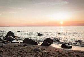 coucher de soleil sur la mer baltique