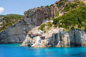 Belles grottes bleues sur l'île de Zakynthos, Grèce