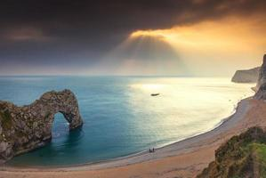 Lumière deramtic à durdle door, Dorset, Angleterre
