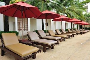 chaise de plage tropicale photo
