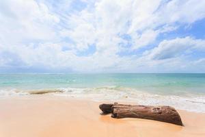 Belle plage de nai yang, phuket, thaïlande