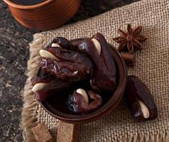 café aromatique et dattes orientales photo