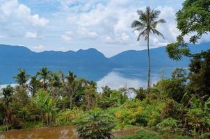 lac maninjau (danau maninjau) photo