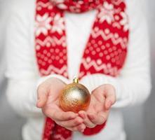 boule décorative dorée