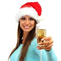 Belle jeune femme avec verre de champagne, isolé sur blanc