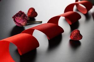 coeur de ruban rouge photo
