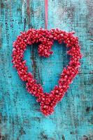 décoration coeur sur bois bleu photo
