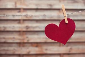 coeur de papier rouge photo