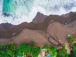 photographie aérienne du bord de mer