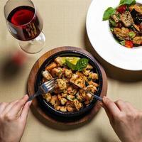 repas de crevettes grillées