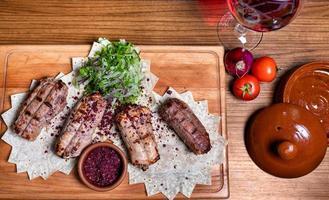 lyulya kebab, repas de viande de mouton au vin rouge photo