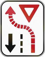 céder au trafic venant en sens inverse au canada