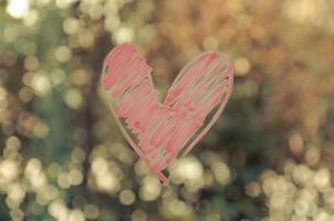 coeur peint sur verre.
