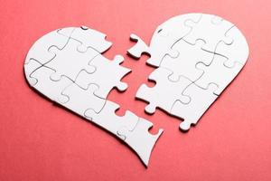 coeur brisé fait de puzzle