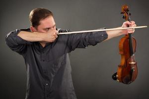 tireur de violon photo