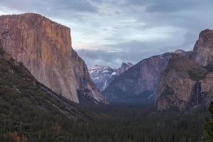 Vallée de Yosemite depuis la vue du tunnel photo