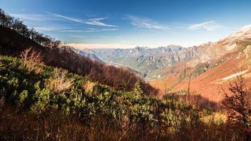 matin d'automne dans les alpes