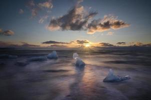 glace sur la plage