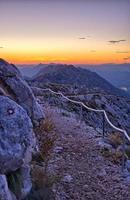 route pierreuse sur le sv. Jure Mountain, Croatie photo