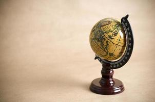 globe antique photo
