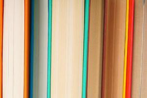 fond de livres multicolores.