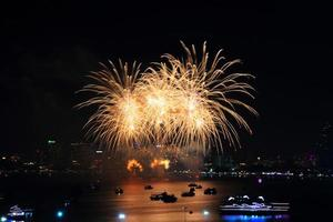 feux d'artifice à la mer photo