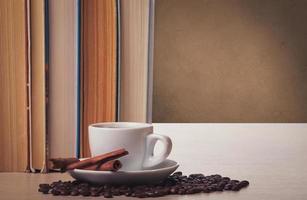 café et livres photo