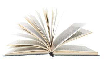 livre ouvert isolé sur fond blanc photo